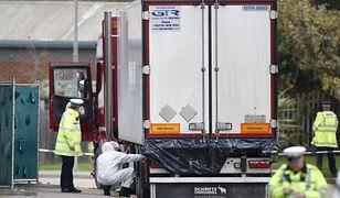 W naczepie ciężarówki odkryto 39 ciał obywateli Chin