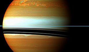 Burza na Saturnie, obserwowana przez sondę Cassini
