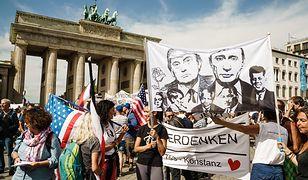 Policja rozwiązała berlińską demonstrację przeciwko restrykcjom z powodu pandemii