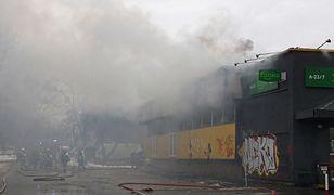 Pożar Żabki w Opolu. Gasi ją trzynaście zastępów straży pożarnej