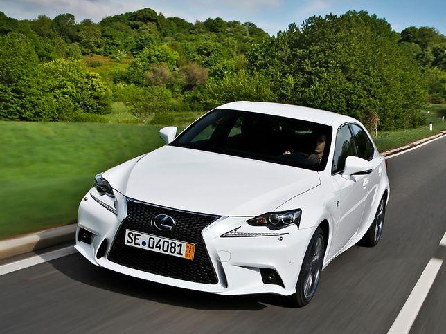 Lexus IS (fot. Materiały prasowe)