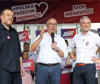 Adrian Zandberg, Włodzimierz Czarzasty i Robert Biedroń podczas wiecu przeciw nienawiści, zorganizowanego w Białymstoku w niedzielę 28 lipca.