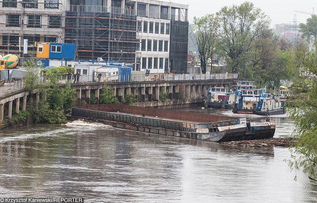Katastrofa budowlana we Wrocławiu. Zapadło się kilkadziesiąt metrów nabrzeża Odry