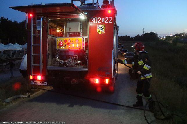 Pożar budynku gospodarczego w Zubrzycy Dolnej. Możliwe, że powodem było uderzenie pioruna/ Zdjęcie ilustracyjne