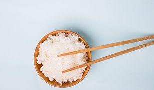 Jak gotować ryż, by obniżyć jego kaloryczność?