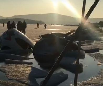 W Rosji załamał się lód