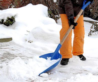 O usuwaniu śniegu właściciel nieruchomości nie może zapomnieć. Nie wszystkich dotyczy obowiązek