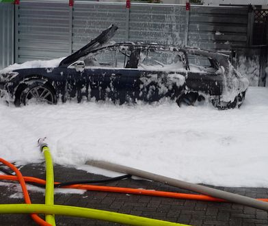 Volkswagen passat spłonął doszczętnie