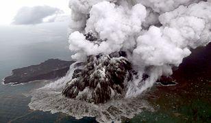 Erupcja Anak Krakatau trwa. Trasy lotów samolotów zmienione