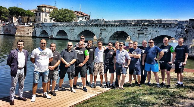 Uczestnik wyprawy ONR do Rimini zdradza nam, jak wyglądają patrole narodowców w kurorcie