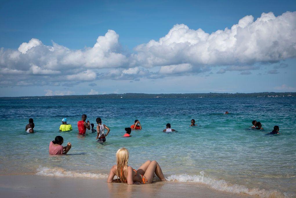 Turyści na Zanzibarze, zdjęcie ilustracyjne