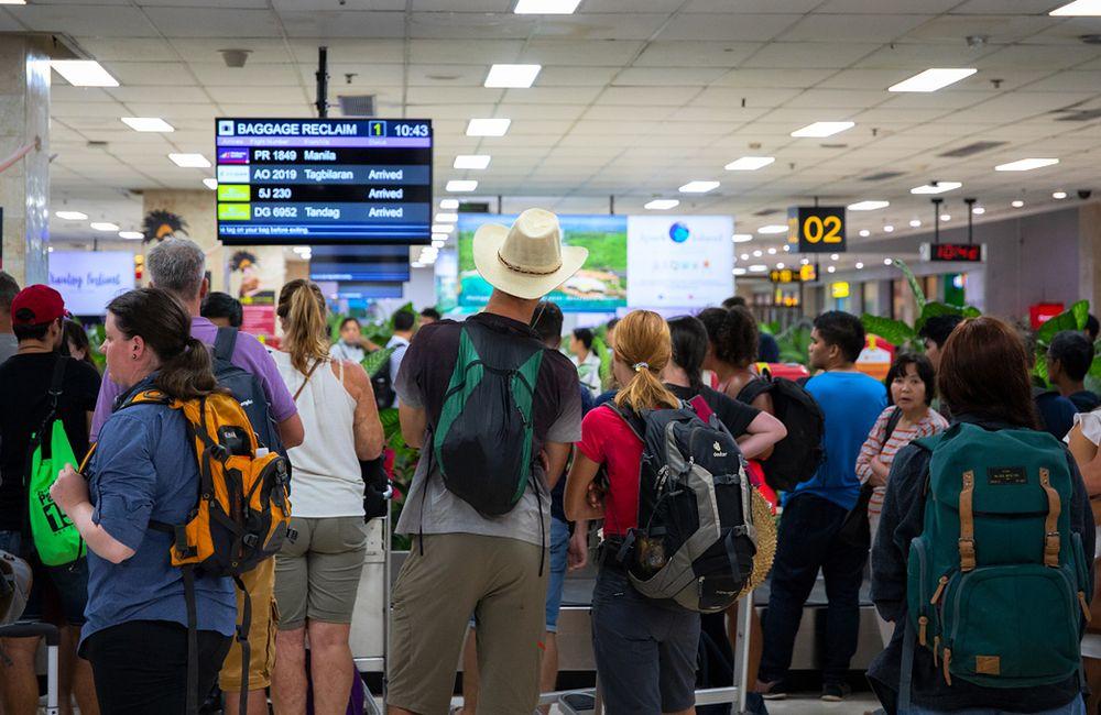 Polacy ruszyli po zagraniczne wakacje, bo pogoda w naszym kraju nie rozpieszcza