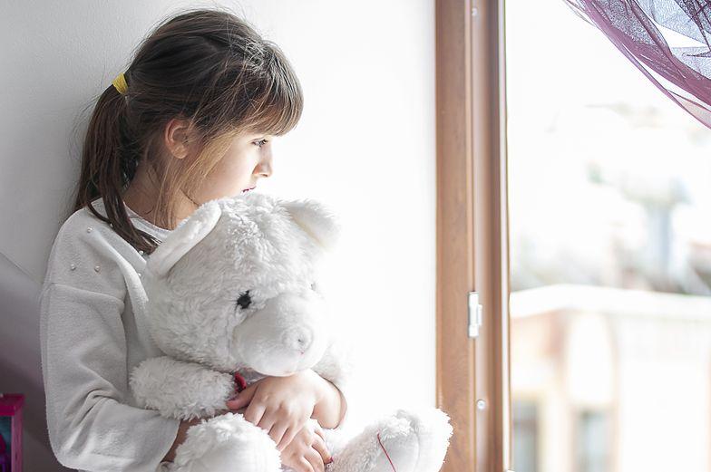 Szokująca historia. Małgorzata oddała 3 nastoletnich dzieci do domu dziecka