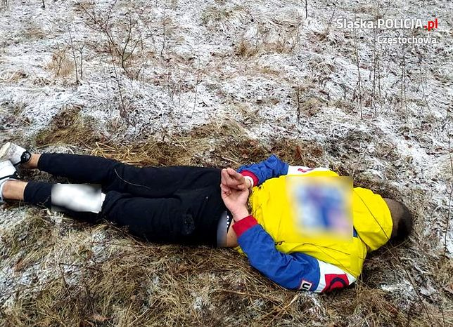 Śląskie. 18-latkowi, który wspólnie ze znajomymi pobił i okradł kolegę z Częstochowy, grozi do 12 lat więzienia.