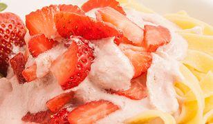 Kluski z truskawkami to jeden ze smaków dzieciństwa