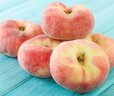 Brzoskwinia to niskokaloryczny owoc o niskim wskaźniku IG.