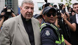 Kardynał George Pell winny czynów pedofilskich. Byłemu współpracownikowi papieża Franciszka grozi kara 50 lat pozbawienia wolności.