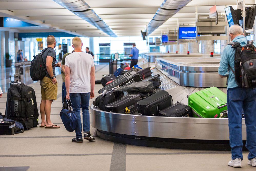 Lot się opóźnił a bagaż zagubił? Sprawdź, co powinieneś zrobić