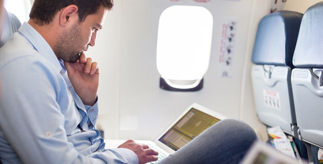 Planujesz lot samolotem? Lepiej odwiedź stomatologa