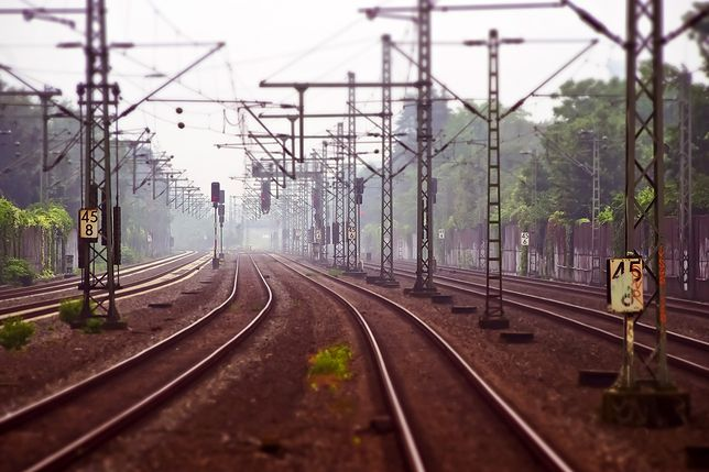 Niemcy. 11-latek wykoleił pociąg z pasażerami