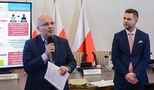 Członek komisji weryfikacyjnej Robert Kropiwnicki i jej szef wiceminister sprawiedliwości Patryk Jaki