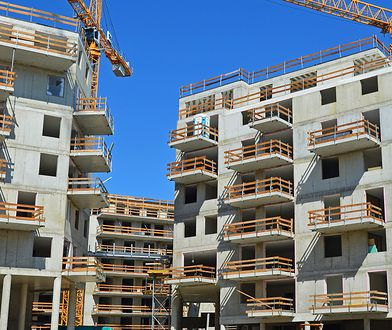 Mieszkanie+ do zmiany. Rynek mieszkaniowy przegrzany. Rząd myśli nad bezpiecznikiem