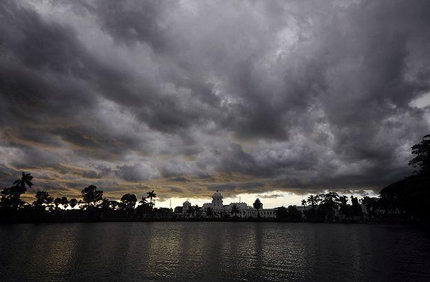 79 zabitych w wyniku uderzeń piorunów w Indiach