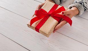 Zestawy kosmetyków w promocyjnych cenach – świetny wybór na walentynkowy prezent