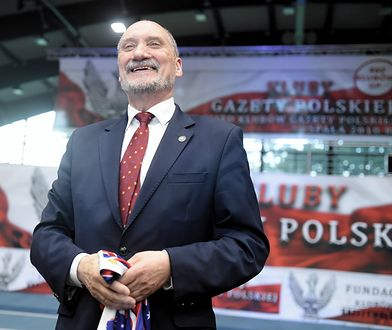 """Poseł PiS Antoni Macierewicz podczas XIII Zjazdu Klubów """"Gazety Polskiej"""""""