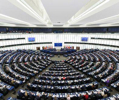 Europarlament finansował partię podejrzewaną o neonazizm. Jest dochodzenie