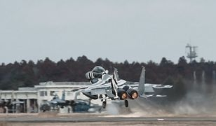 Start samolotu F-15 Eagle w zwolnionym tempie to jedna z piękniejszych rzeczy, jakie dzisiaj zobaczycie