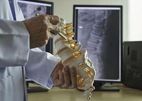 Ćwiczenia rozciągające na bolący kręgosłup
