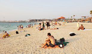 Plaża La Mer została utworzona stworzona na częściowo zrekultywowanych gruntach w modnej, nadmorskiej dzielnicy Jumeirah w Dubaju. Na odwiedzających czeka tu mnóstwo atrakcji