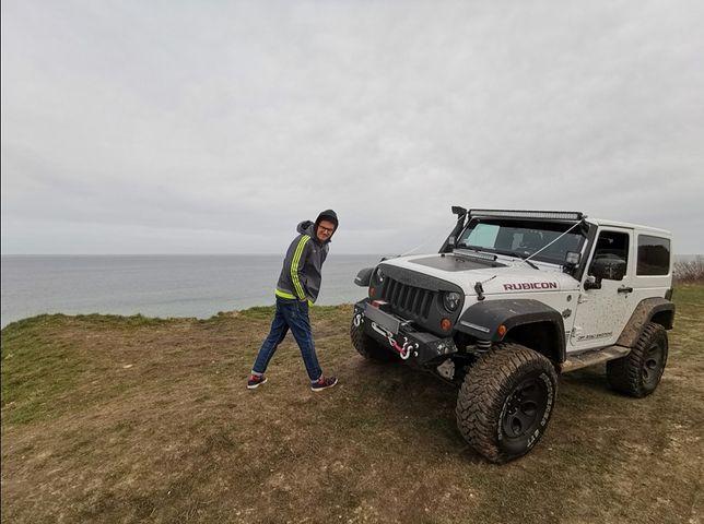 Kuba Wojewódzki sprzedaje samochód. Przerobiony jeep szuka nowego właściciela