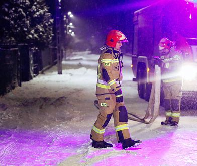 Mazowsze. Pożar w Nadmie. Spłonął garaż i auto, ogień także na poddaszu domu