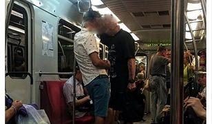 """Krzyczał do Azjatek w metrze by """"wypier***lały z Polski"""" Usłyszał zarzuty"""