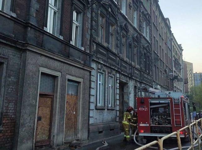 Śląskie. W budynku przy ulicy Witczaka 5 w Bytomiu doszło do pożaru po raz trzeci w tym roku.
