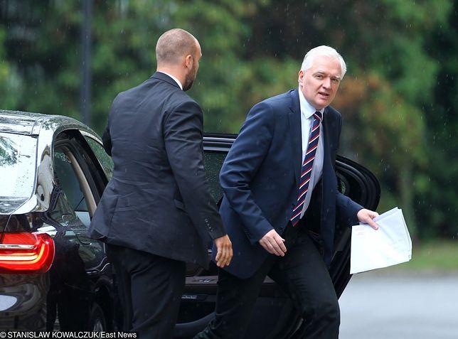 Polscy politycy skarżą się na niskie pensje, ale mają liczne przywileje