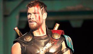 """Na kolana! Recenzja """"Thor Ragnarok"""". Film w kinach od 25 października"""