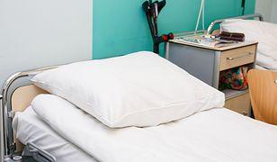 87-letnia Franciszka Bacławska miała spaść ze szpitalnego łóżka. Szpital zaprzecza