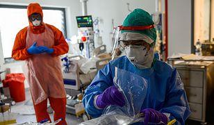 Koronawirus w Polsce. Nowy raport Ministerstwa Zdrowia o pandemii 1 maja. Spada liczba zakażeń