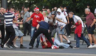 Polsko-rosyjskimi kontaktami rządzą emocje. Na zdjęciu bójka pomiędzy kibicami obydwu krajów w czasie Euro 2012