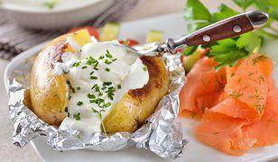 Ziemniaki faszerowane sałatką