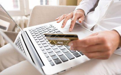 Ponad połowa Polaków kupuje w internecie