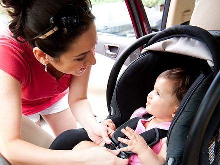 Zadbaj o bezpieczeństwo dzieci w samochodzie