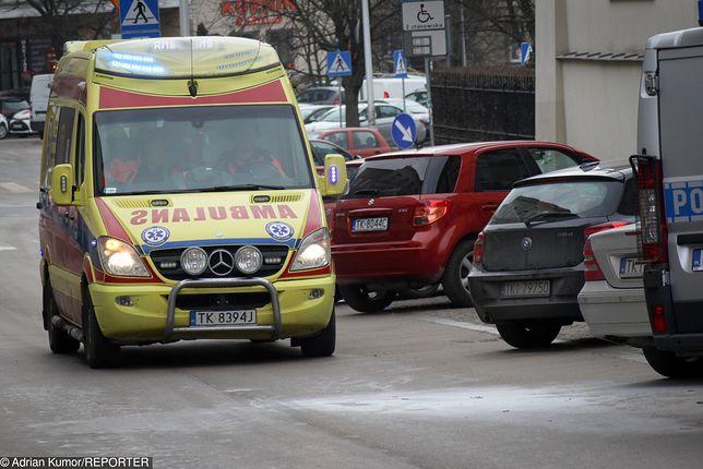 Mężczyźnie udzielono pierwszej pomocy