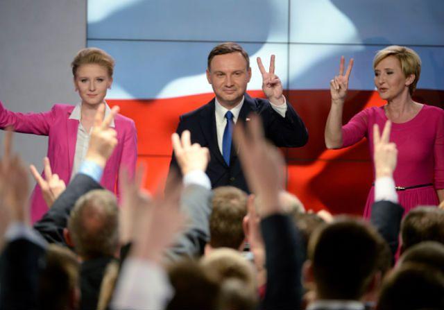 Agata Kornhauser-Duda i córka u boku przyszłego prezydenta?