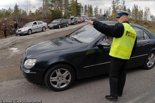 Policjanci z Zakopanego poskarżyli się na narzucone normy mandatów, którymi trzeba karać kogo się tylko da.