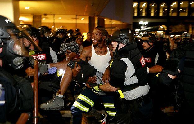 Masowe protesty w Charlotte po zastrzeleniu Keitha Lamonta Scotta