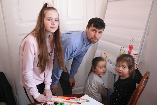 Po decyzji warszawskiego sądu dziewczynki zostaną pod opieką ojca.